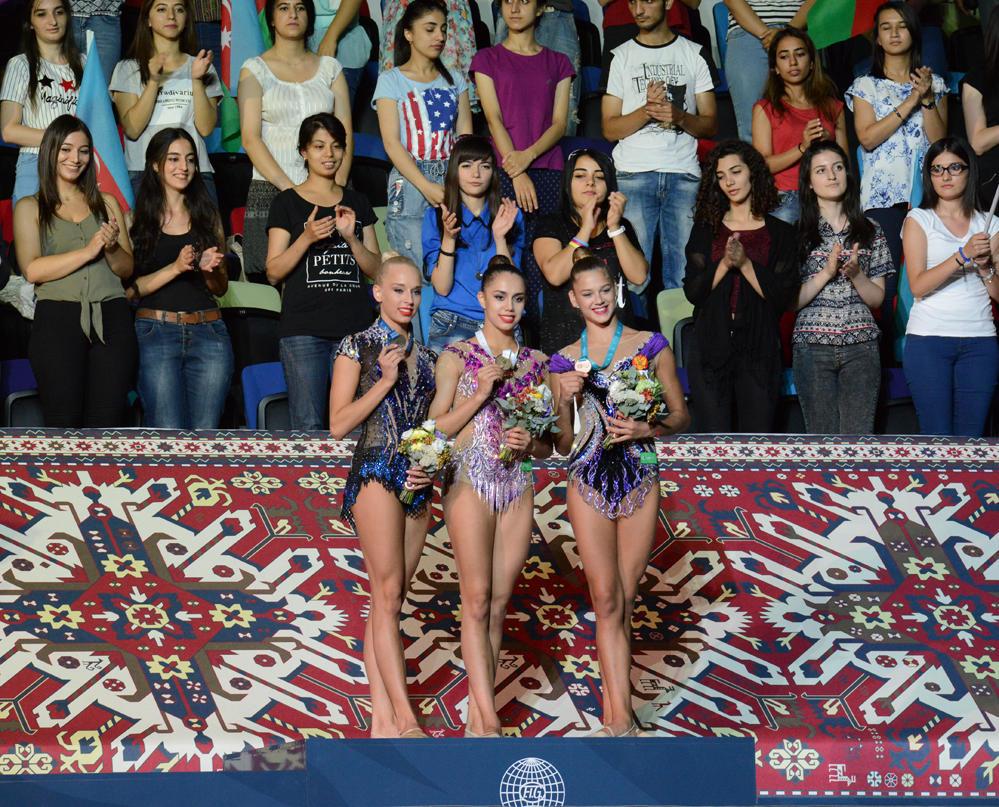 Bakıda bədii gimnastika üzrə Dünya Kubokunun qalibləri mükafatlandırılıb - FOTO