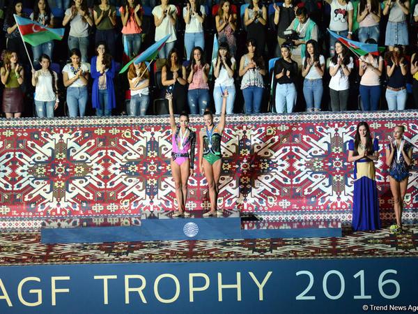 Rusiyalılar Bakıda Dünya Kubokunun finalında birinci yeri bölüşüblər