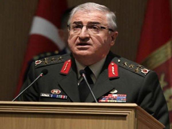 """Girov götürülən ordu generalı: """"Əllərimi Akın Öztürk açdı..."""""""