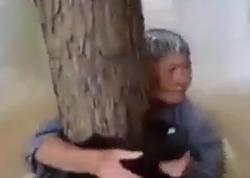 Arvadını xilas etmək üçün ölümü seçdi - VİDEO - FOTO