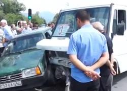 Mikroavtobus zəncirvari qəzaya səbəb oldu: 3 yaralı - VİDEO - FOTO