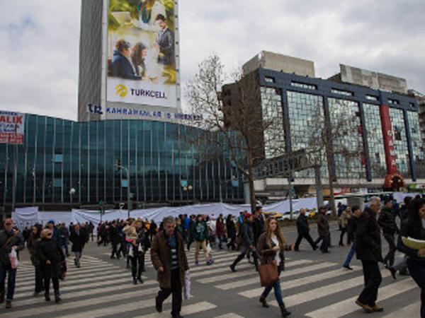 Ankaranın mərkəzi meydanını adı dəyişir
