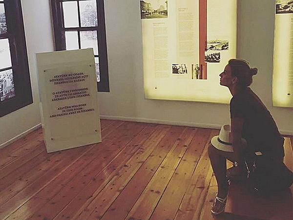 ATV-nin aparıcısı Atatürkün evində - FOTO