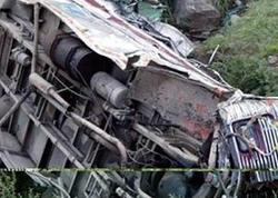 Ərəb turistləri Bakıya gətirən avtobus qəzaya düşdü: 2 ölü, 16 yaralı - YENİLƏNİB