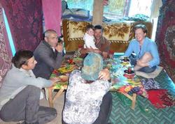 Azərbaycanlı evində 50 ölkədən 1000 turist qarşılayıb – FOTO