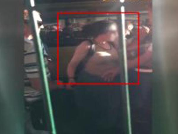 "Avtobus dayanacağında iki qadın bir-birini ""qırdı"" - VİDEO"