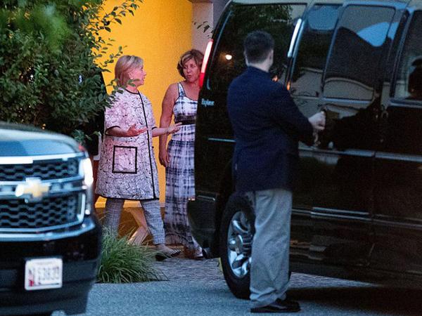 Klintonun köməkçisi şorgöz ərindən boşanır - FOTO