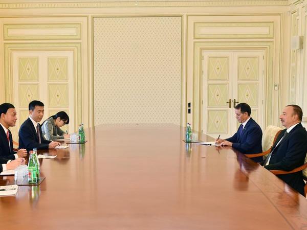 Prezident İlham Əliyev Yaponiya Xarici İşlər Nazirliyinin parlamentar vitse-nazirini qəbul edib - FOTO