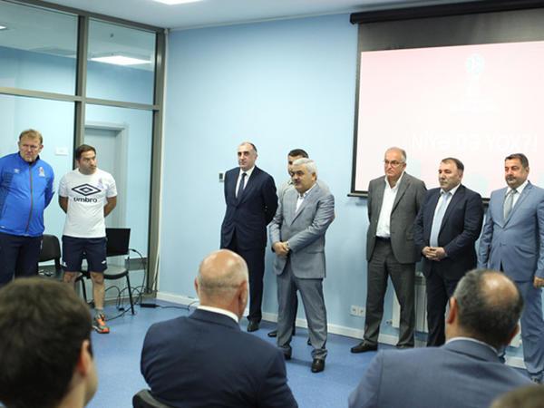 AFFA prezidenti milli komanda ilə görüşdü - FOTO