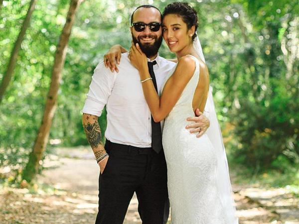 Türkiyəli müğənni evləndi - Toydan ilk - FOTO