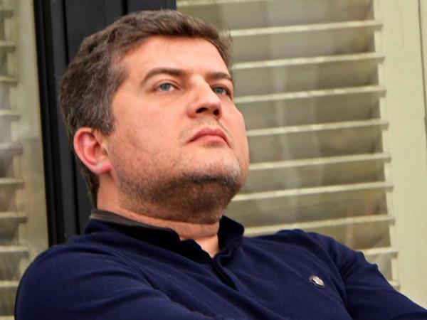 """Erkin Qədirli: """"Rus sektoru"""" qapadılmalıdır"""""""