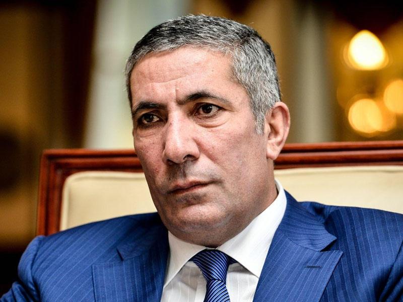 """""""Bir kişi arvad adı, fotosu ilə Facebook-a girirsə..."""" - Siyavuş Novruzov"""