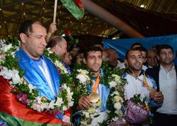 Paralimpiyaçılarımız Vətənə döndülər - FOTO