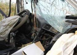 """Ərzaq daşıyan yük maşını """"Mercedes""""lə toqquşdu: <span class=""""color_red"""">3 nəfər yaralandı</span>"""