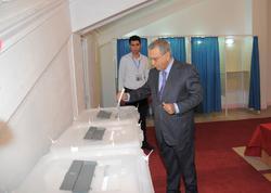 Ramiz Mehdiyev 7 saylı seçki məntəqəsində səs verib - FOTO