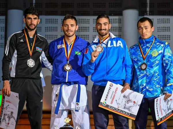 Karateçilərimiz 6 medal qazandı