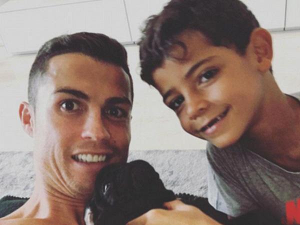 Ronaldo ailəsinin yeni üzvü - FOTO