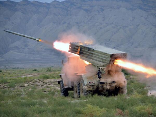 Ordumuz raket və artilleriya zərbələri endirdi - FOTO
