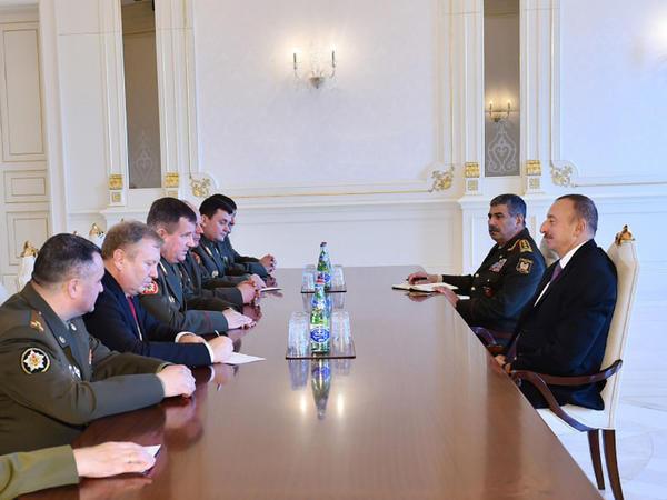 Prezident İlham Əliyev Belarusun müdafiə nazirini qəbul edib - FOTO