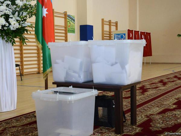 """Exit-poll: Seçicilərin 88,9 faizi Konstitusiyada dəyişikliklərə """"hə"""" deyib"""