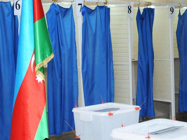 Əbu-Dabidəki Azərbaycan vətəndaşlarının 80 faizindən çoxu referendumda səs verib
