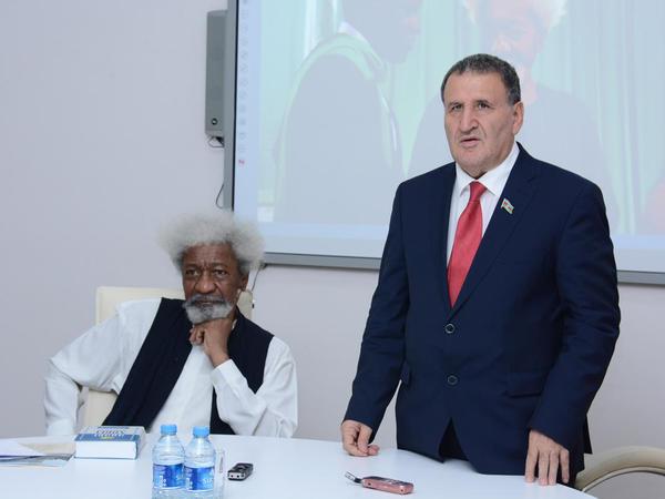 Nobel mükafatçısı AMEA-da - FOTO