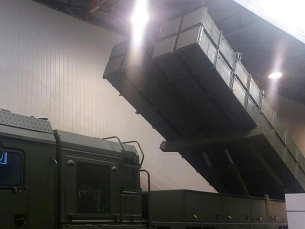 Azərbaycan Belarusdan yeni raket qurğusu alır - FOTO