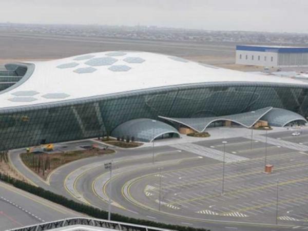 Qatarla aeroporta getmək mümkün olacaq - VİDEO