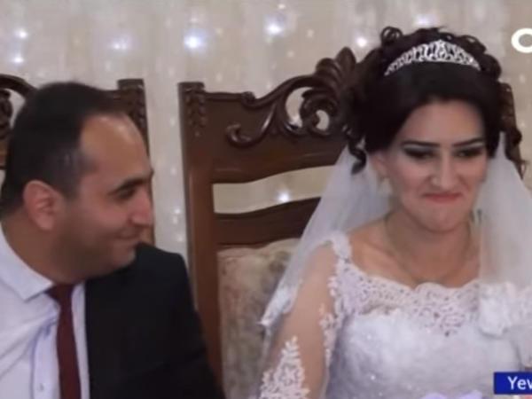 Eşitmə və danışma qüsurlu gənclər evləndilər - VİDEO - FOTO
