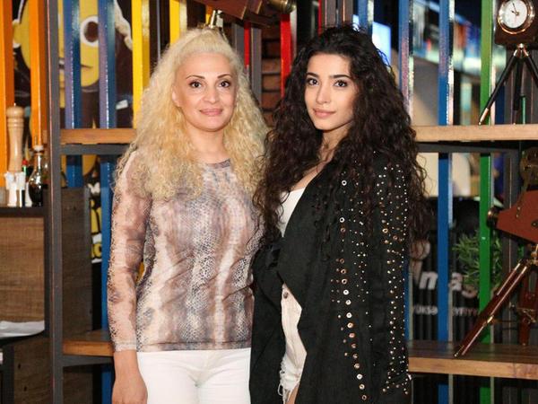 Səmra Rəhimli model anası ilə - FOTO
