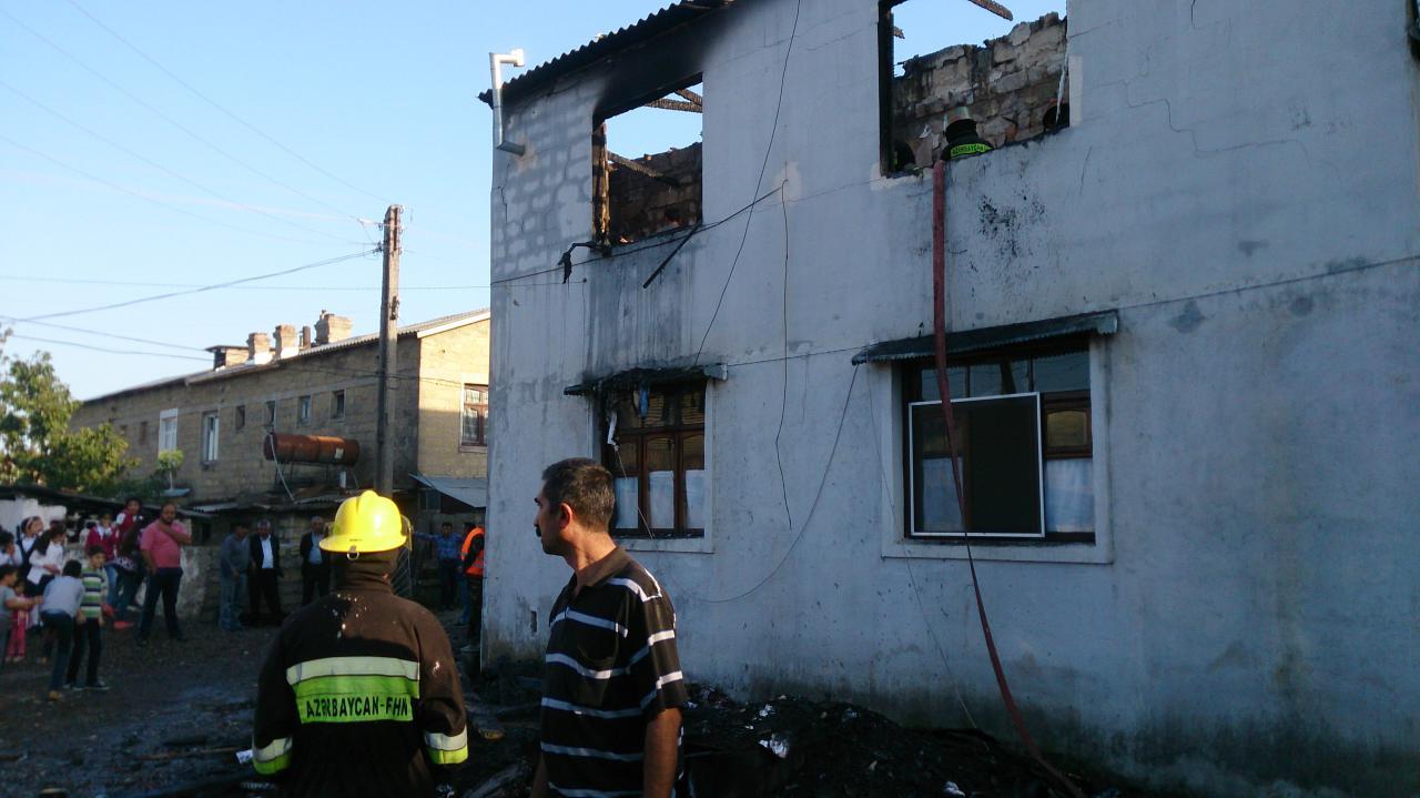 3 otaqlı ev yandı - VİDEO - FOTO
