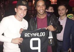 """Reynaldo Ronaldinyoya """"Qarabağ"""" forması hədiyyə etdi - FOTO"""