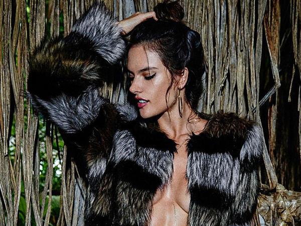 Gözəl Alessandranın yeni FOTOları
