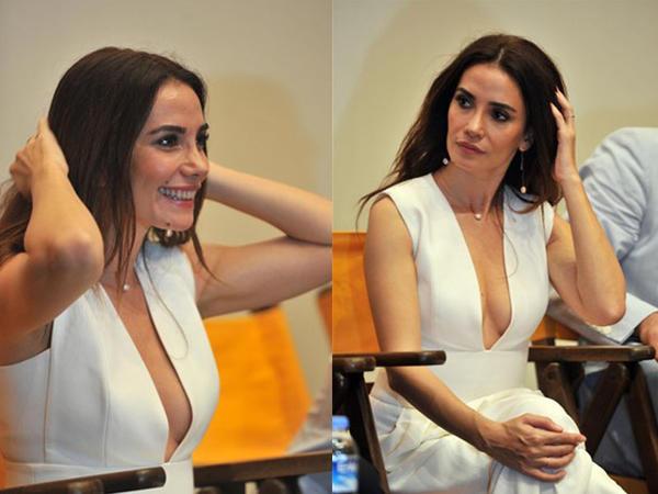 Türk aktrisa dekoltesi ilə qalada diqqət çəkdi - FOTO