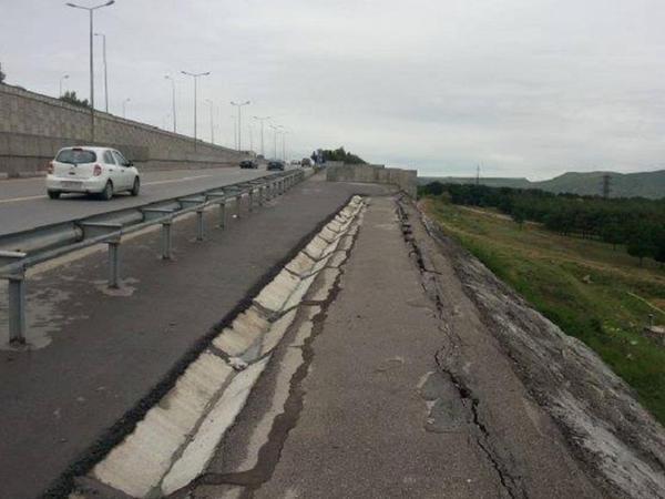Bakı dairəvi yolunda çökmə baş verib - YENİLƏNİB - AÇIQLAMA