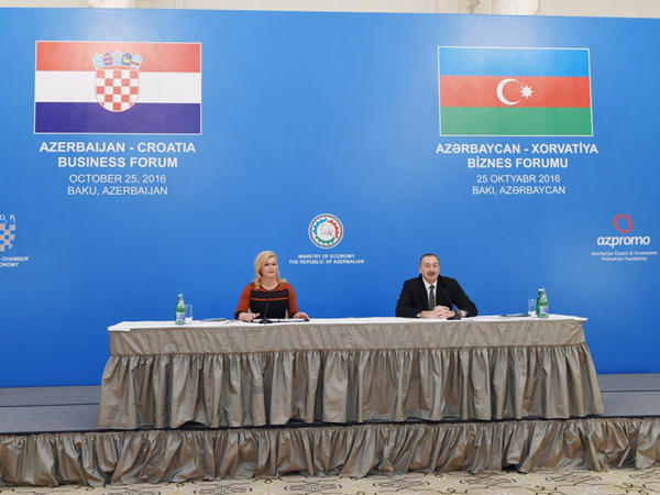 Azərbaycan və Xorvatiya prezidentləri Bakıda biznes forumda iştirak ediblər - FOTO