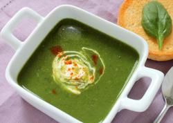 Avokadolu ispanaq şorbası