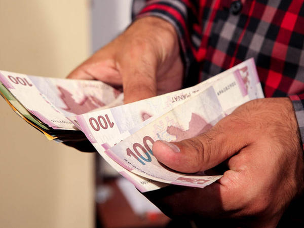Bağlanan bankların əmanətçilərinə 722 milyon manatdan çox kompensasiya ödənilib