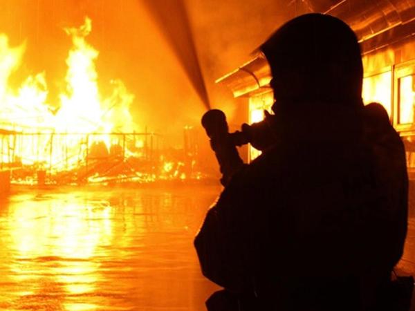 Xaçmazda 4 otaqlı ev yandı