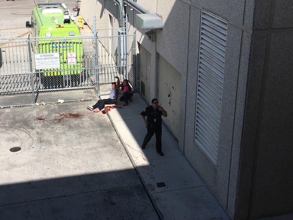 ABŞ-da hava limanında atışma: 5 ölü - YENİLƏNİB - VİDEO - FOTO