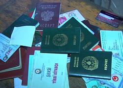 Şəxsiyyət vəsiqələri, pasportlar, digər müxtəlif sənədlər... - VİDEO