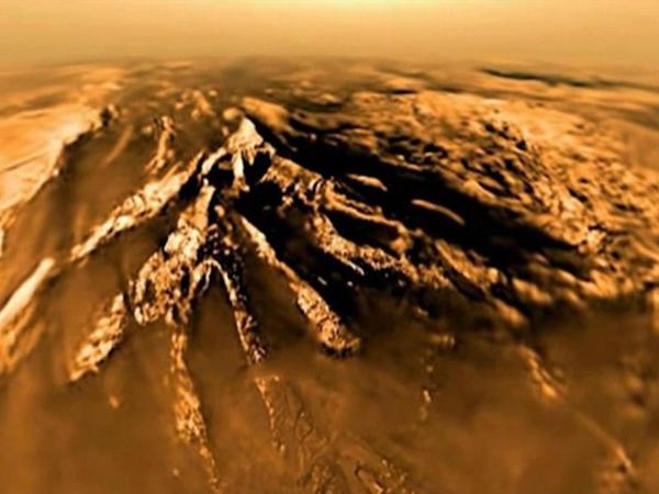 Sensasiyalı kəşf: Titanda su tapıldı - VİDEO - FOTO
