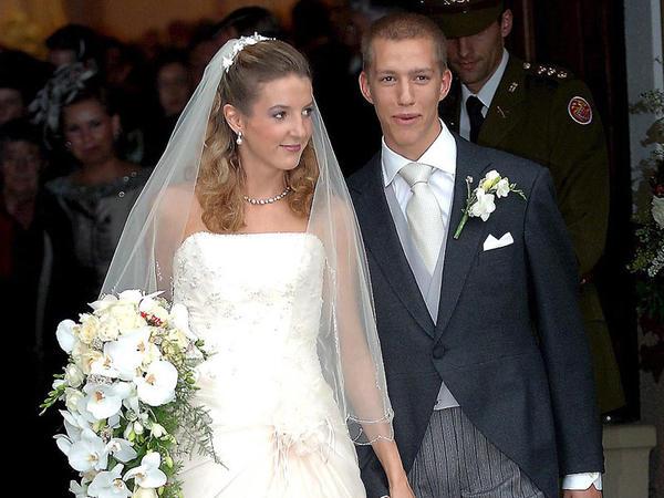 """Şahzadə 10 illik nikahına son qoydu: <span class=""""color_red"""">boşanırlar - FOTO</span>"""