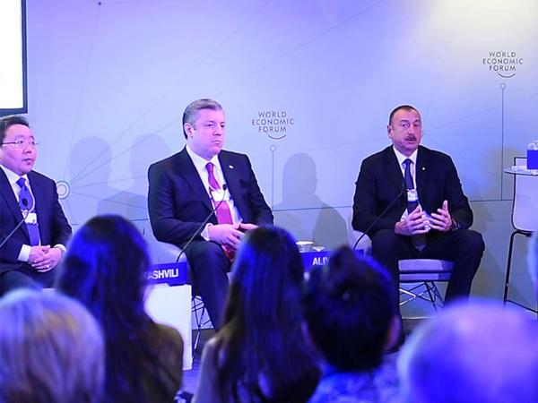 """Prezident İlham Əliyev Davosda """"İpək Yolunun səmərəsi"""" adlı interaktiv iclasda iştirak edib"""