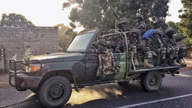 Qambiyada hərbi zərbələr endirilir