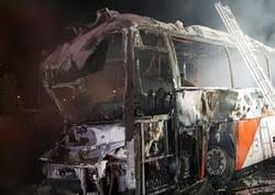 Avtobus dirəyə çırpılaraq yandı: 16 məktəbli öldü, 36 yaralı - YENİLƏNİB