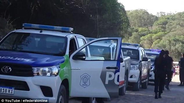 Polis çılpaq qadınları qovdu - çimərlikdə qalmaqal - VİDEO - FOTO