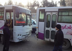 Bakıda avtobuslar toqquşdu - FOTO