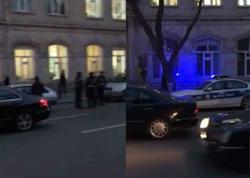 Polis 160 nömrəli məktəbin qarşısını nəzarətə götürdü - VİDEO