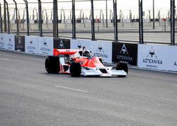 """""""Formula-1""""-də erkən """"stop"""""""